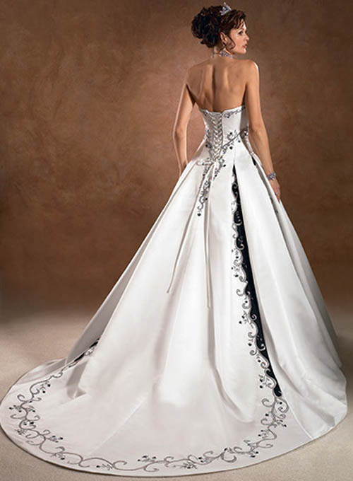 wedding dresses dream in color 2 5948 KB Rating 110 full size