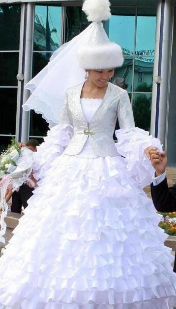 Свадебные платья - d1ada5d076b4982e5a2c9b6a37aacdef