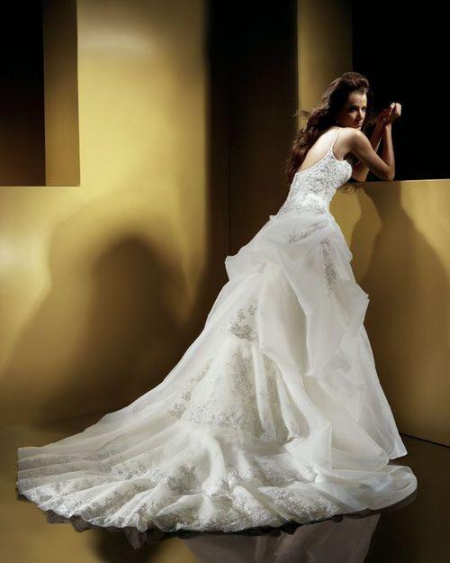 Продается свадебное платье Оксаны Мухи Модеста Молочного ... Свадебные платья в Белгороде - объявления о ... Белгород Свадебный салон White Dream является