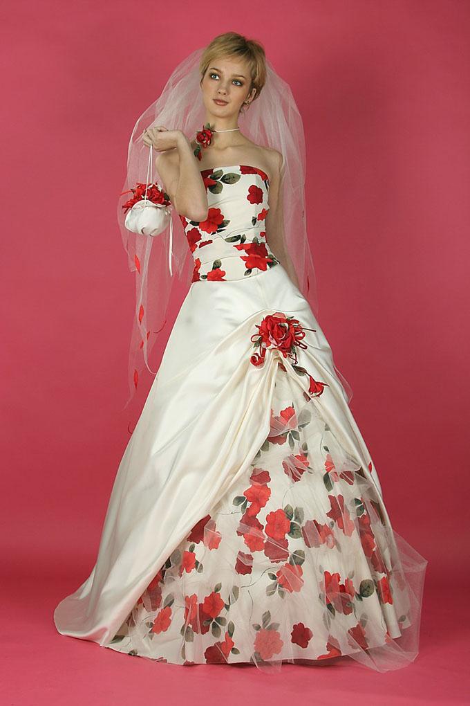 Свадебное необычное платье