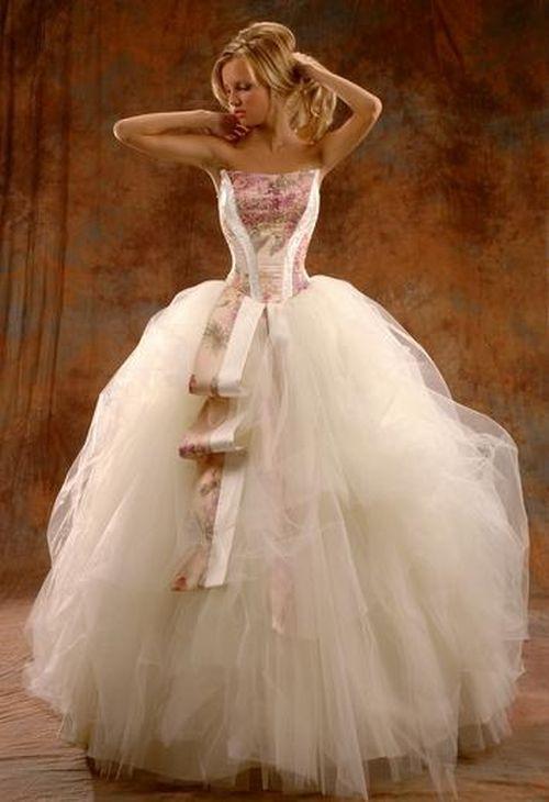 Ксения собчак уже выбрала себе новое платье из коллекции
